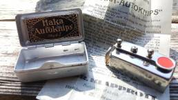 The Haka Autoknips is a mechanical vintage self timer, made by Klapprott in Hamburg, Germany.